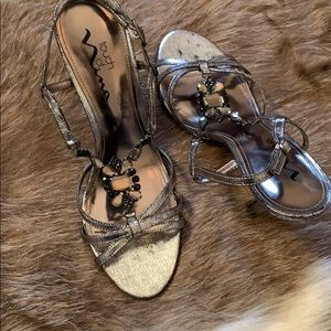 Touch of NINA jeweled sandals silver
